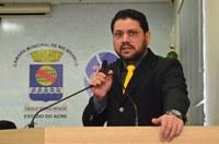 'Bandidos continuam atacando o transporte coletivo', afirma vereador João Marcos Luz