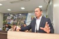 Câmara de Rio Branco homenageia com Moção de Aplauso o jornalista Ayres Rocha
