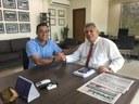 Célio visita prefeitura e fiscaliza obras