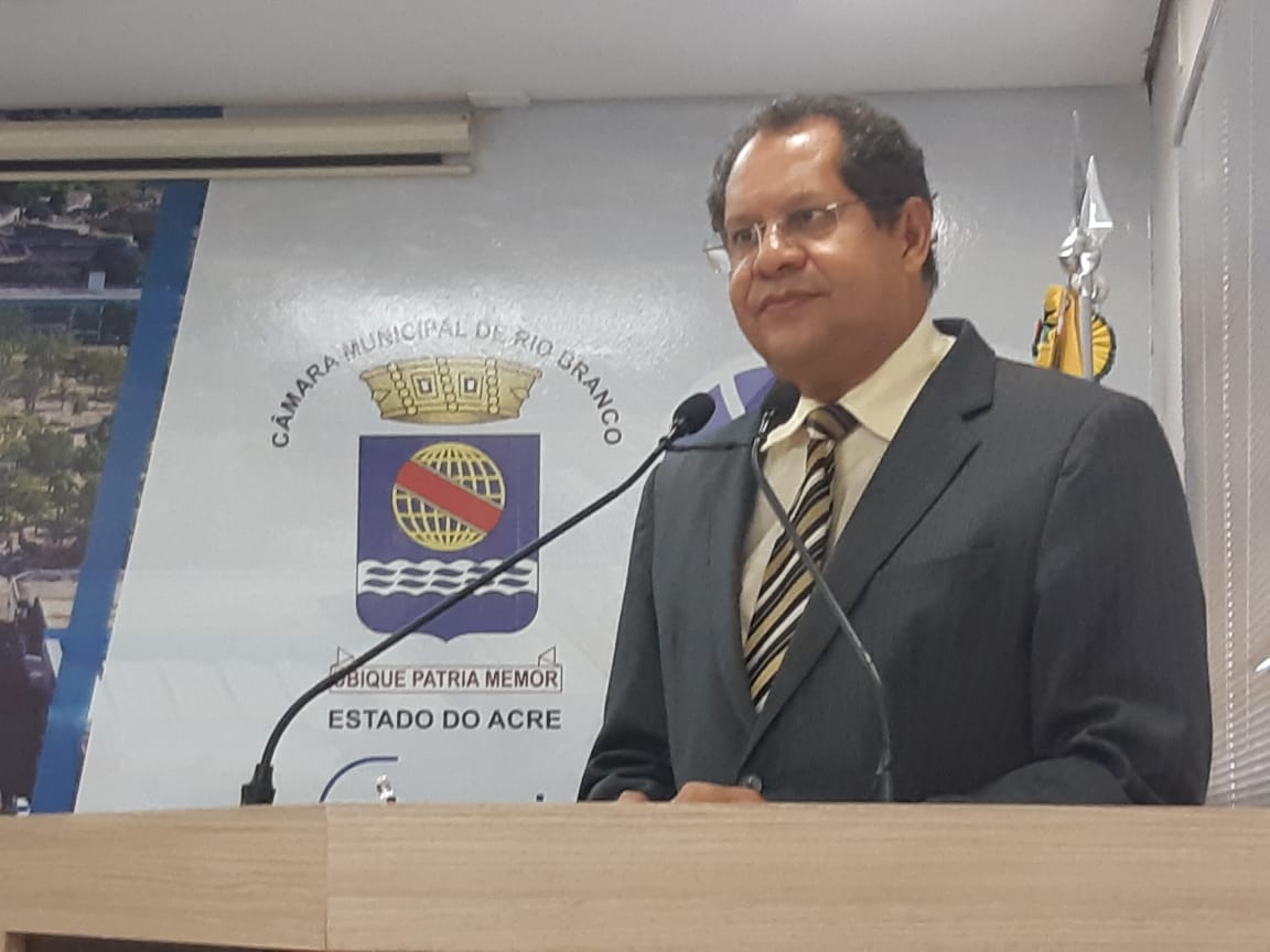 Eduardo Farias deixa liderança da prefeita no parlamento