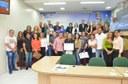 Eduardo Farias presta homenagem a pedagogos da capital