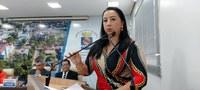 Elzinha Mendonça faz indicação de ação de vacinação no bairro Cidade do Povo