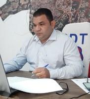 Fábio Araújo denuncia que colchões comprados pela Prefeitura durante alagação ainda não foram entregues à população