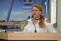 Lene Petecão apresenta relatório de visita nas UBS da capital e reivindica profissional de odontologia e medicamentos.
