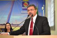 Mamed Dankar solicita instalação de corrimões na escada de acesso a plataforma de embarque da Rodoviária