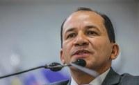 Raimundo Castro apresenta PL que isenta taxa de iluminação pública aos contribuintes de baixa renda e com comorbidades crônicas